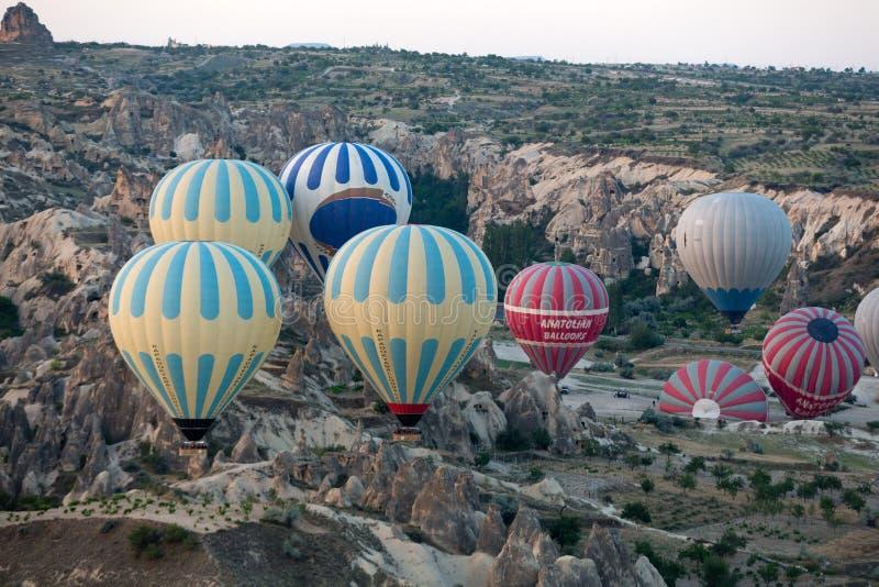 Cappadocia, Turcja lot z balonem przy wschodem słońca fotografia royalty free