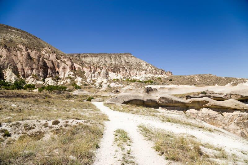 Cappadocia, Turkije Het schilderachtige berglandschap dichtbij Pashabag-Vallei (Vallei van Monniken) royalty-vrije stock foto