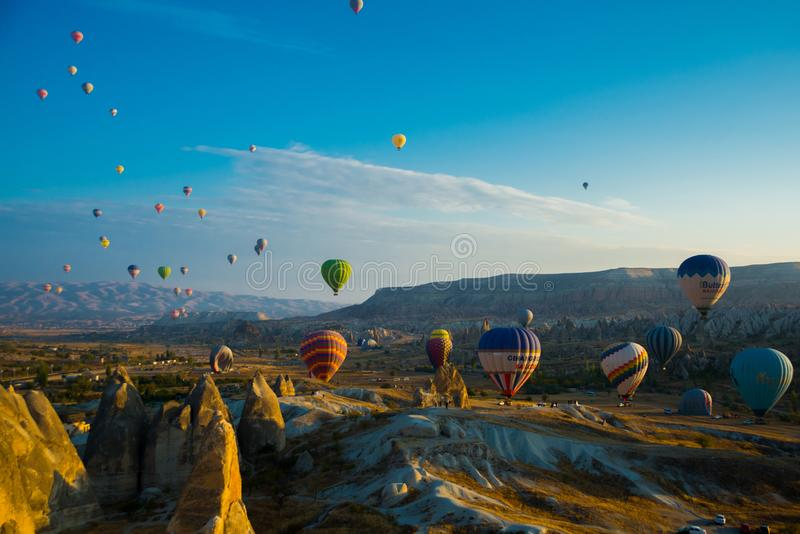 Cappadocia TURKIJE: Ontdek het verbazende landschap van het Cappadocia-gebied van Turkije van een luchtballon Van één uur aan 1 5 stock afbeelding