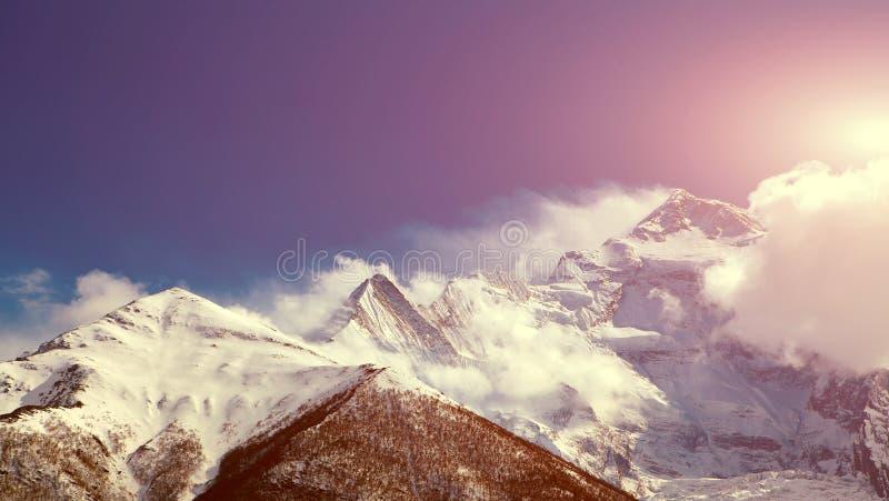 capped bergsnow arkivfoto