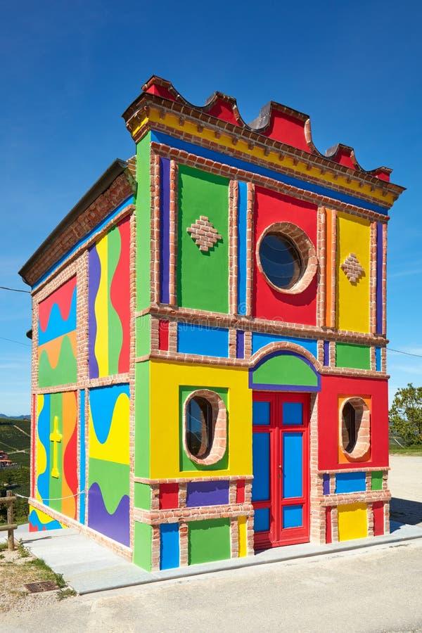 Cappella del Barolo,由Sol Lewitt的一点五颜六色的教会在意大利 库存图片