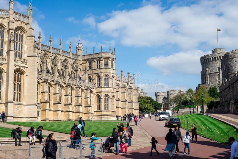 Cappella del ` s di St George, reparto più basso e torre rotonda in Windsor Castle fotografia stock libera da diritti