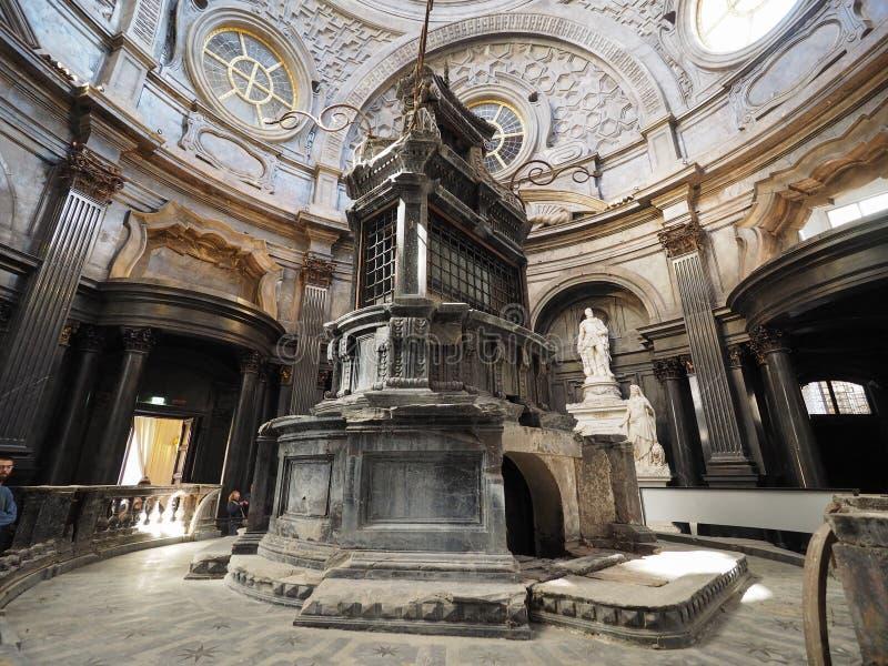 Cappella della Sindone i Turin royaltyfri bild