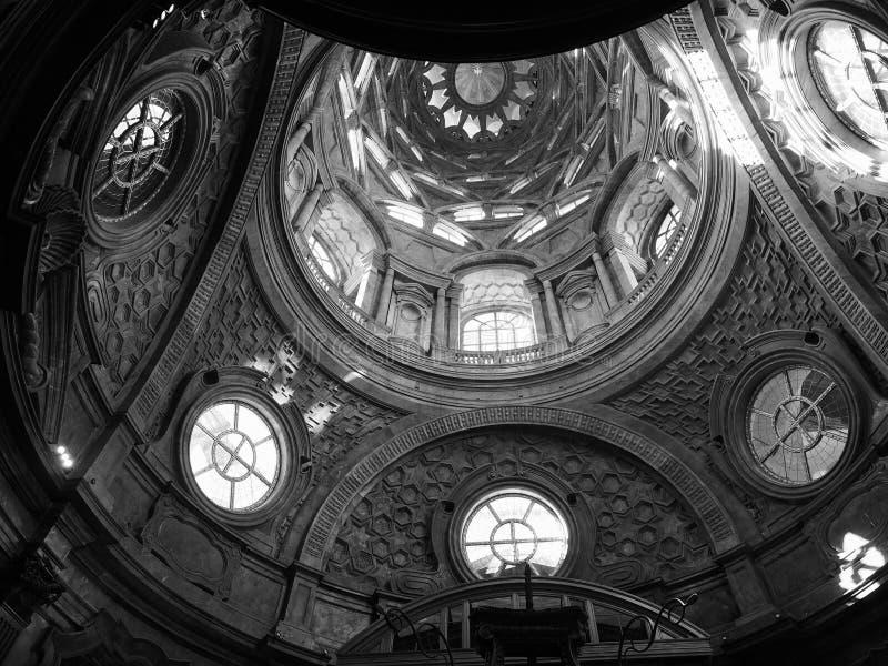 Cappella dellaSindone kupol i Turin i svartvitt arkivbild