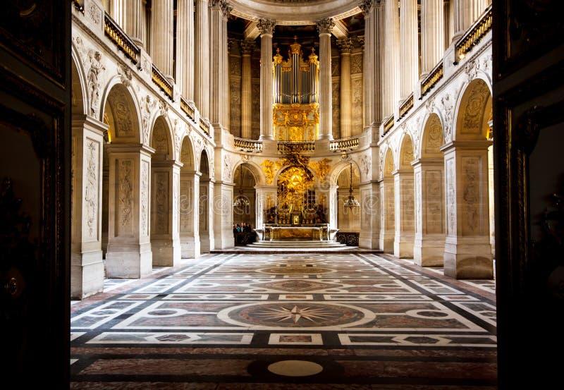 Cappella nel palazzo di Versailles, Francia immagini stock