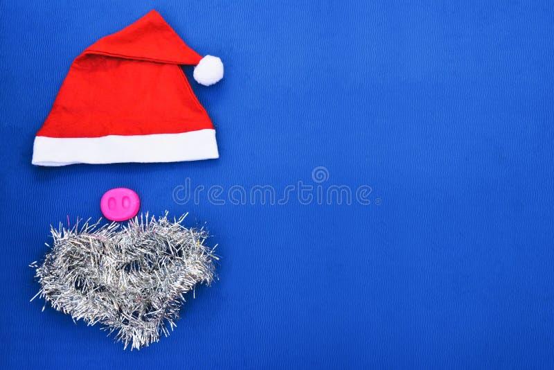 Cappelli di Santa con i baffi rosso del cappello di Claus fotografia stock libera da diritti