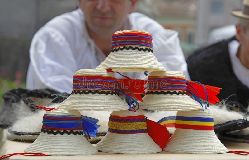 Cappelli rumeni tradizionali fotografia stock