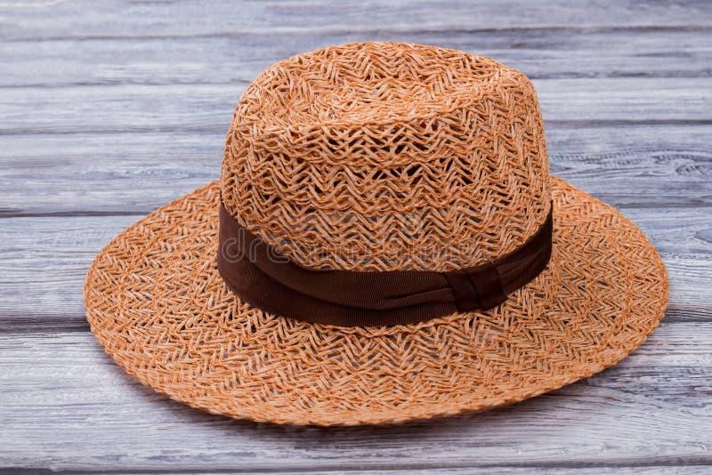 Cappello di paglia di Brown, fine su immagine stock libera da diritti