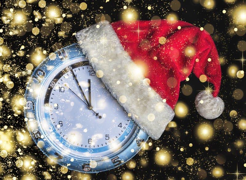 Cappello di Santa Claus, Natale, nuovo anno, neve di caduta dorata, N immagine stock libera da diritti