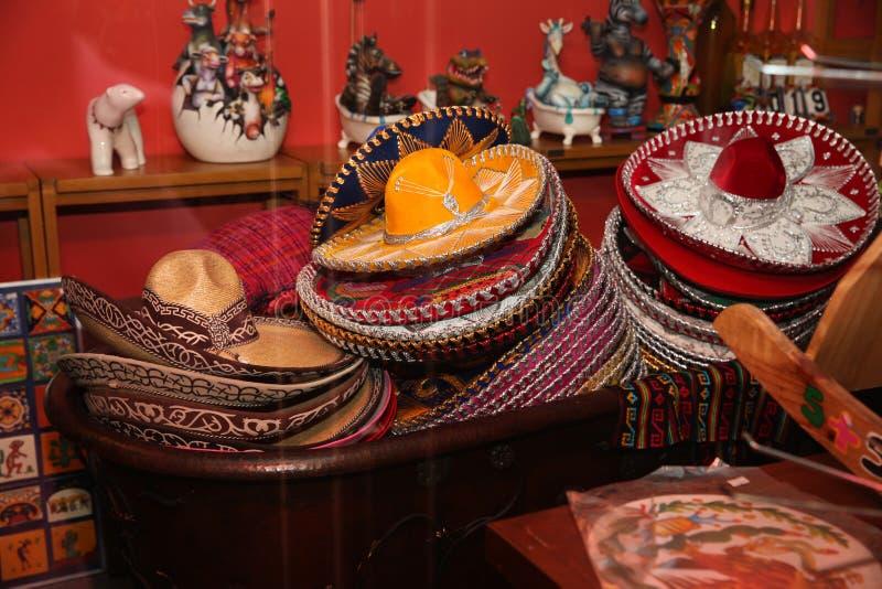 Cappello messicano, sombrero, grande selezione in negozio di regalo fotografie stock libere da diritti