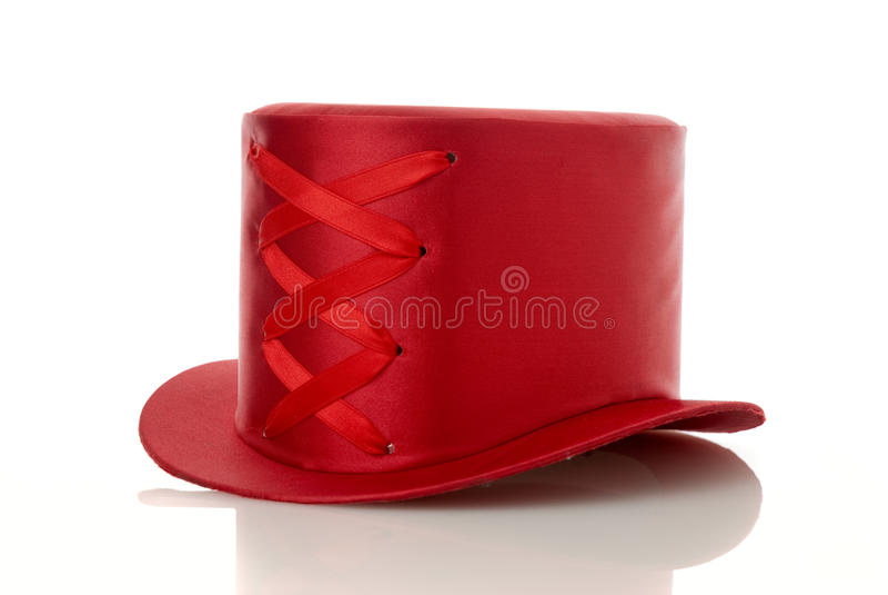Cappello rosso con il nastro fotografie stock libere da diritti