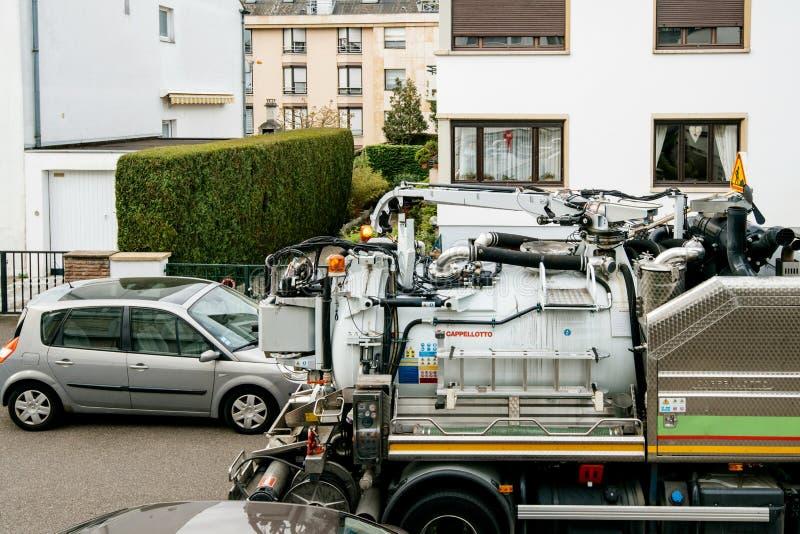 Cappellotto kloaklastbil på högstämd sikt för gata royaltyfri bild