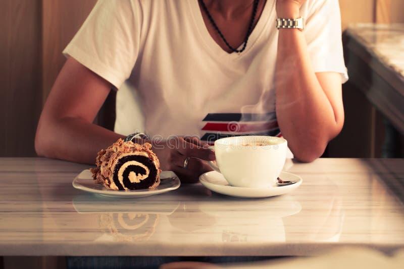 Cappuccino με τη γυναίκα στοκ εικόνες