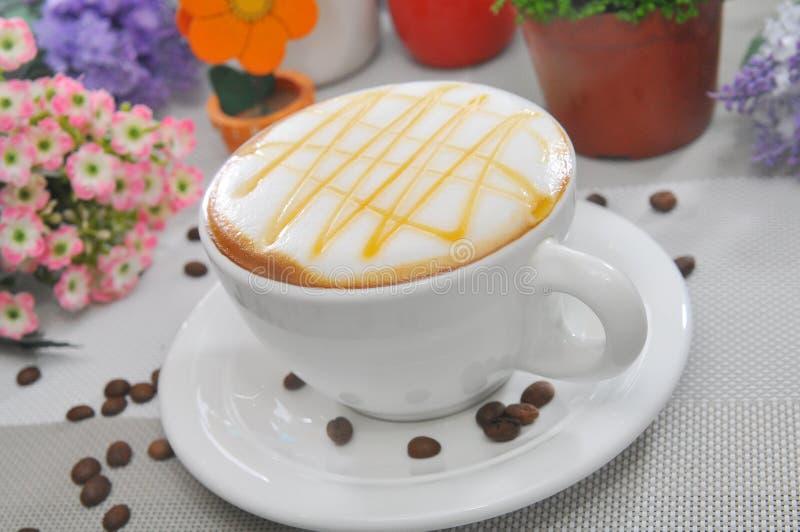 Download Cappuccino obraz stock. Obraz złożonej z latte, cappuccino - 53788625