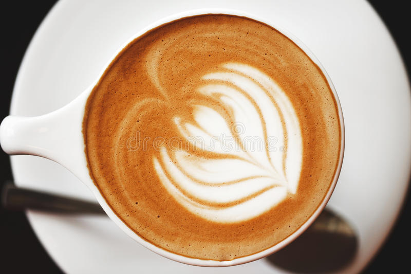 Cappuccino avec la belle mousse image libre de droits
