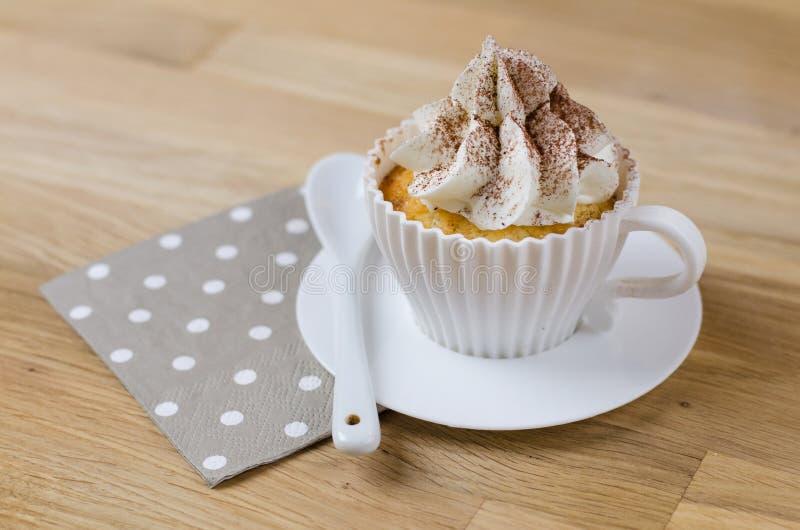 Cappuccino Cupcakes, een heerlijke cupcake met een rijk koffiearoma royalty-vrije stock foto's