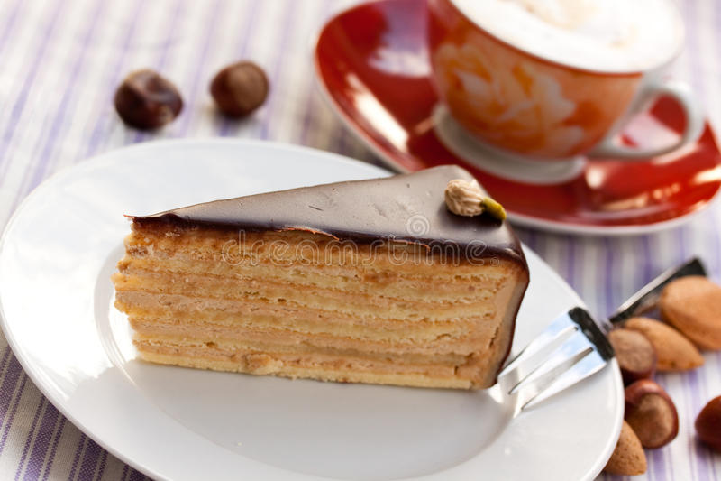 cappuccino czekoladowy hazelnut kulebiak zdjęcie stock