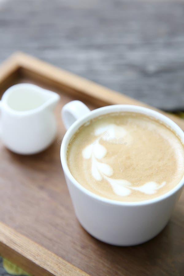 Cappuccino-Kaffee lizenzfreie stockfotografie