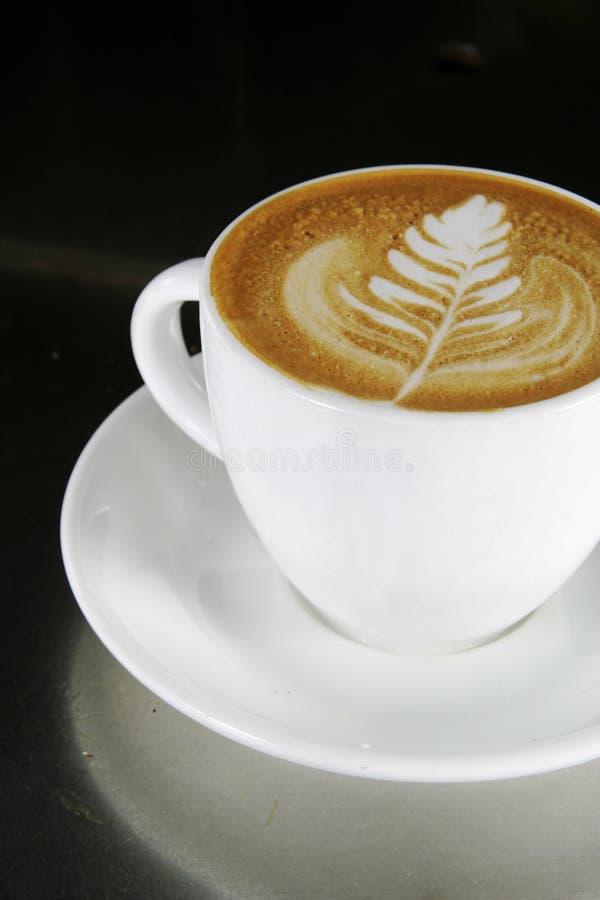 Cappuccino Latte Kunst stockfotos