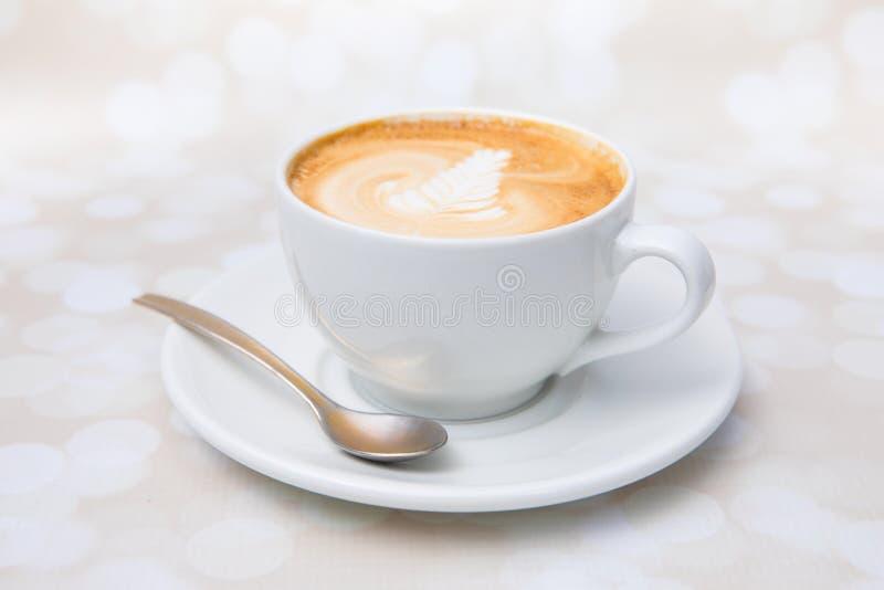 Cappuccino met decoratie royalty-vrije stock foto