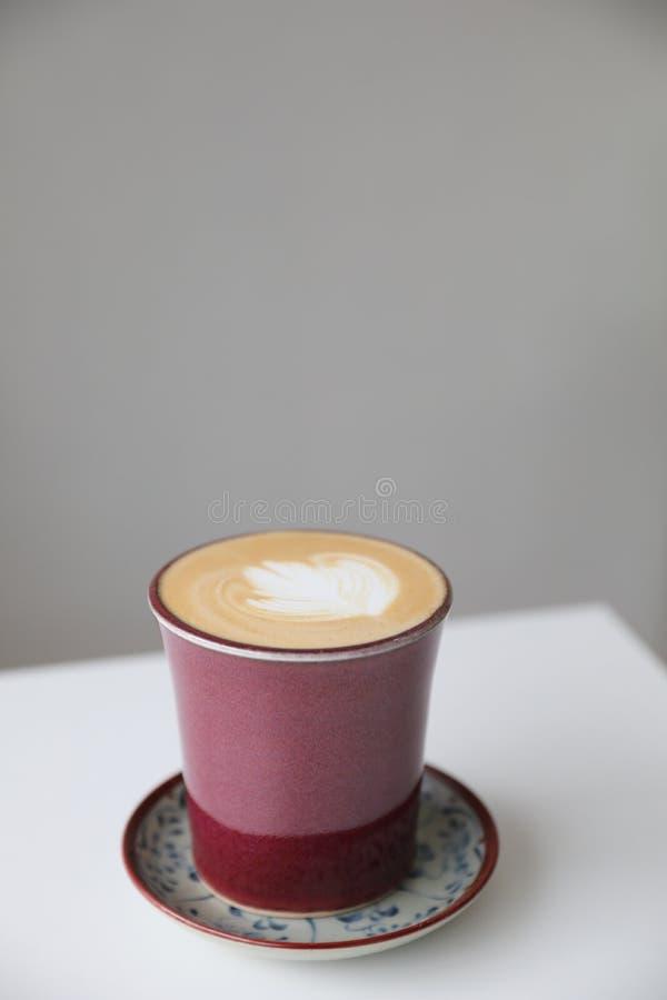 Cappuccino oder latte Kaffee lizenzfreies stockbild