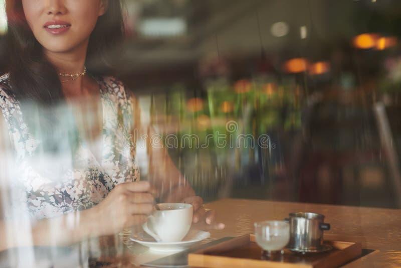 Cappuccino pendant le matin image libre de droits