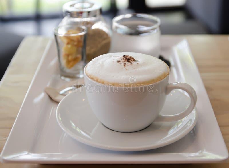 CappuccinoKaffeetasse stockbilder