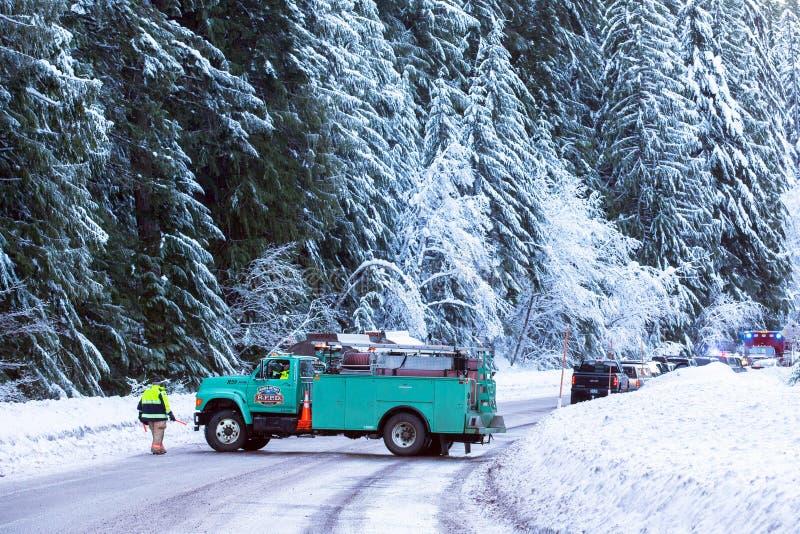 Cappuccio di Mt, O/U.S.A. - 30 dicembre 2016: Blocchetto f dei veicoli di emergenza immagine stock libera da diritti