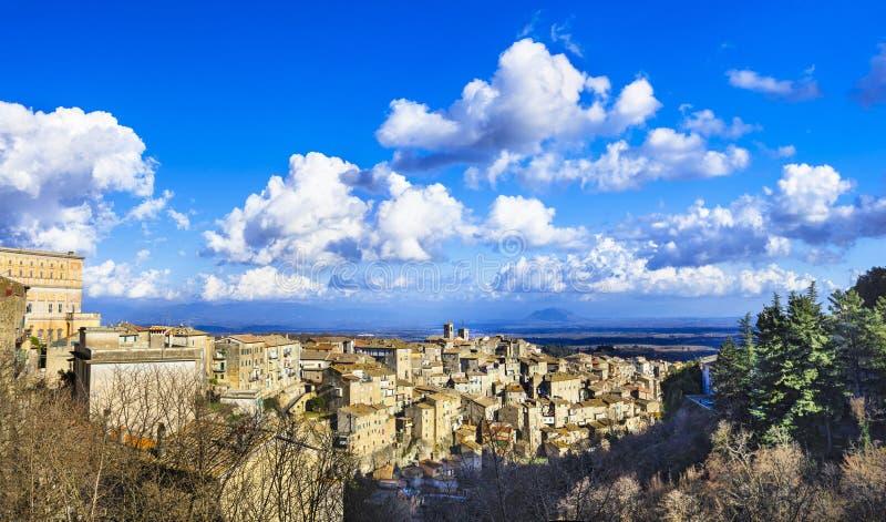Caprarola - pueblo en provincia de Italia, Viterbo imágenes de archivo libres de regalías