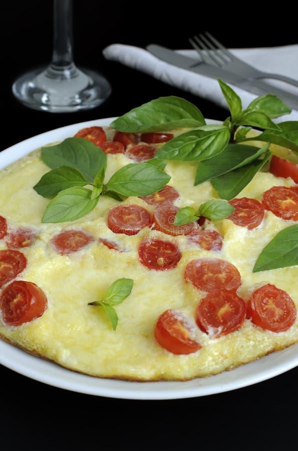 Caprese omelett royaltyfri bild