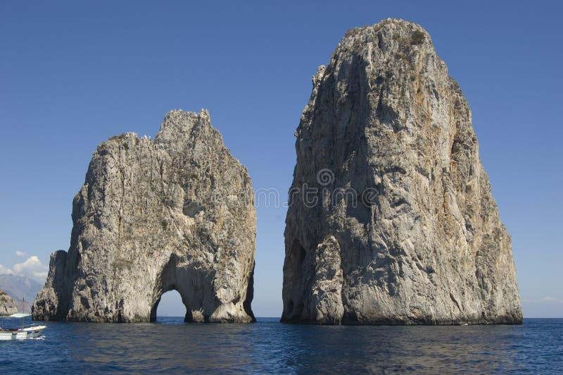 Capri Faragliono Felsen stockfoto