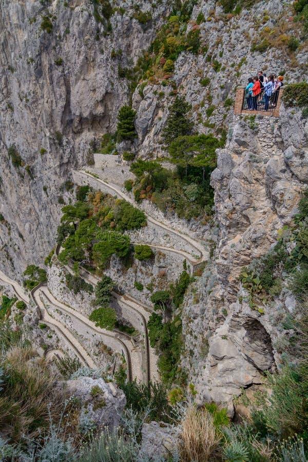 Capri, Italia - 10 de junio: Isla de Capri el 10 de junio de 2016 en Capri, imágenes de archivo libres de regalías