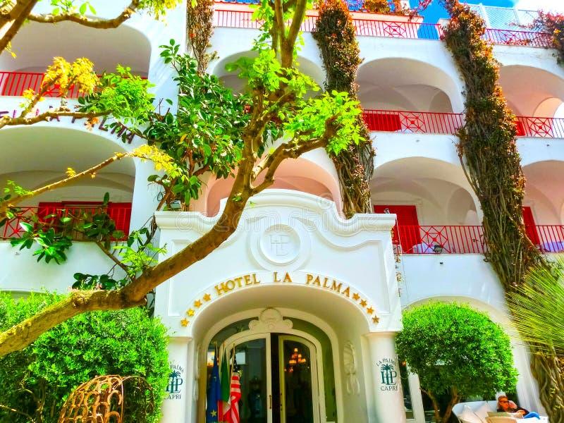 Capri Italien - Maj 04, 2014: Hotelllaen Palma i gammal mitt arkivfoton