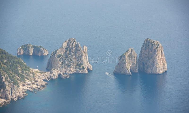 Capri Naples Piękny i słynny Faraglioni obraz royalty free