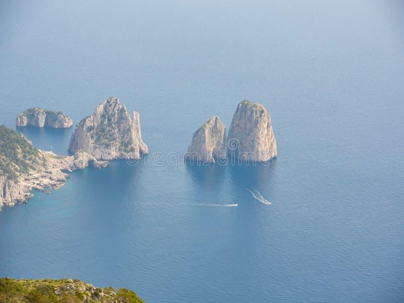 Capri Naples Piękny i słynny Faraglioni obrazy stock
