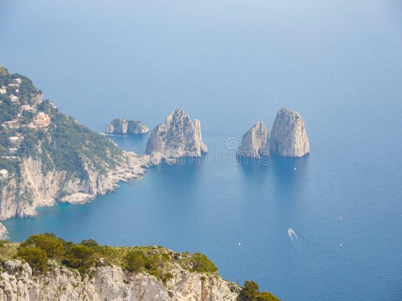 Capri Naples Piękny i słynny Faraglioni fotografia royalty free
