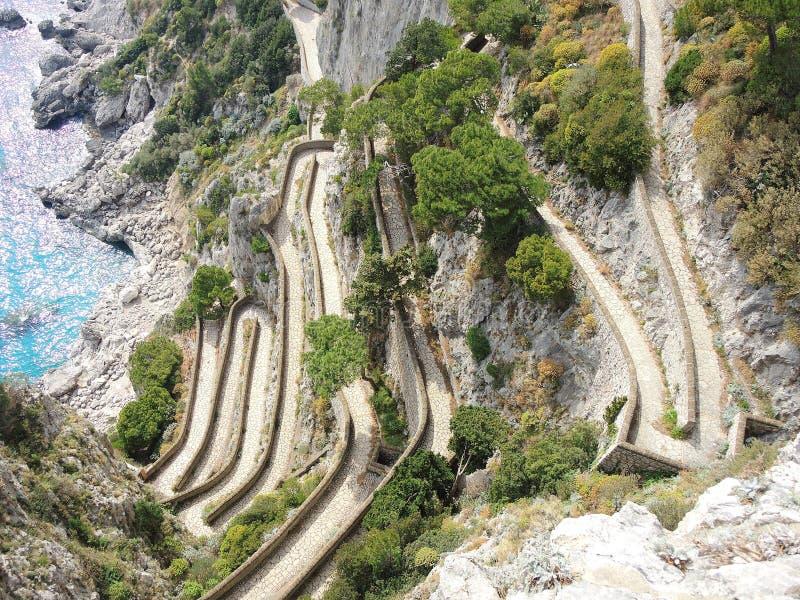 Capri, Włochy, Przez Krupp Ja jest historycznym brukującym footpath obrazy stock
