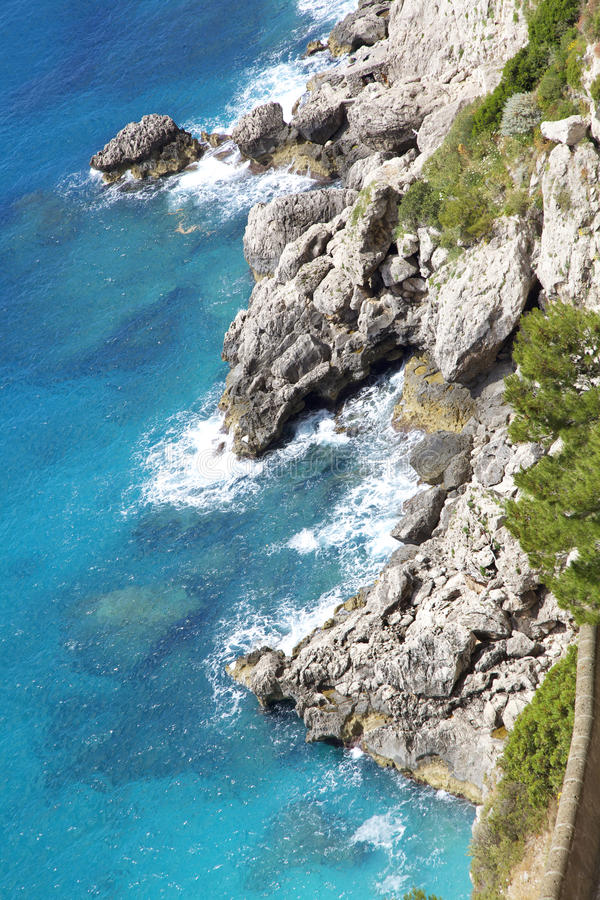 Capri wyspa, widok Przez od Krupp, Włochy obraz royalty free