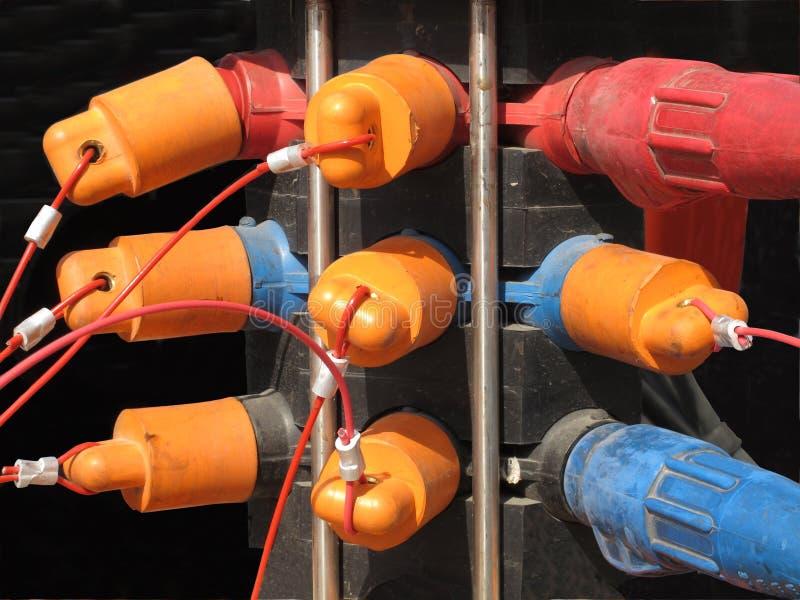 caps elektriska gruppproppar arkivfoton