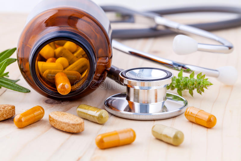 Capsule des soins de santé d'alternative de phytothérapie photo stock