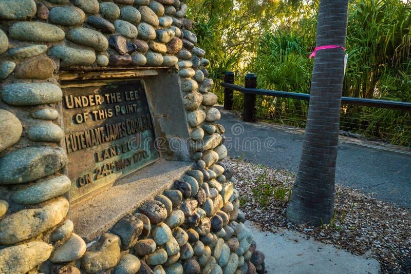 Captain el monumento y la placa de Cook en diecisiete setenta foto de archivo libre de regalías