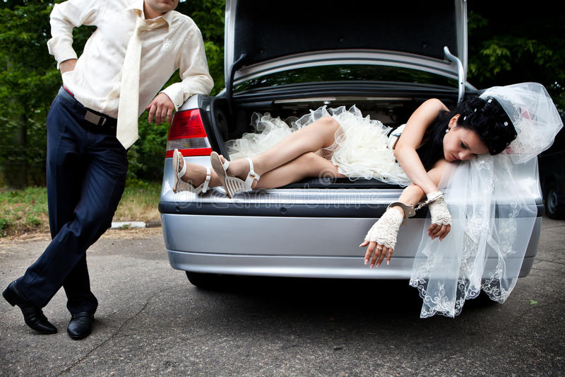 captive urladdning för brud fotografering för bildbyråer