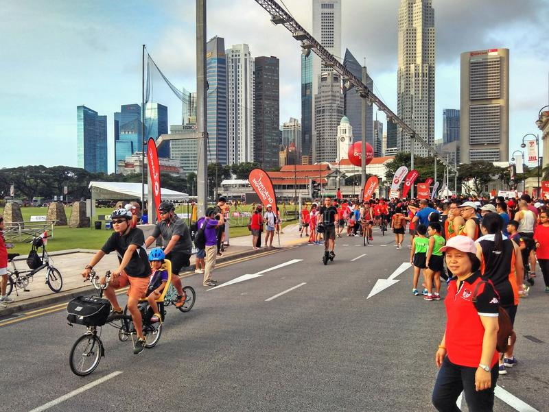 Download Car-free Sunday In Singapore Editorial Stock Image - Image of  children, bikes