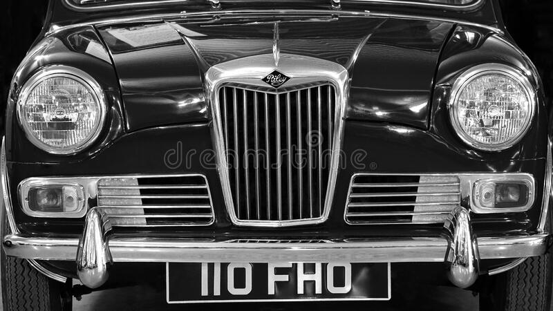 Car In Front View Showing Grille Free Public Domain Cc0 Image