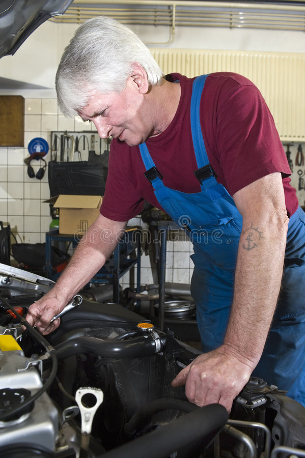 Download Car Mechanic Royalty Free Stock Images - Image: 6798409