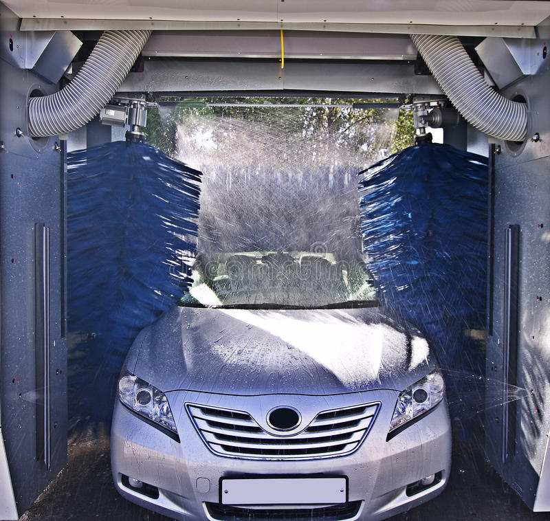 Free Car Wash In Process Stock Photography - 10992792