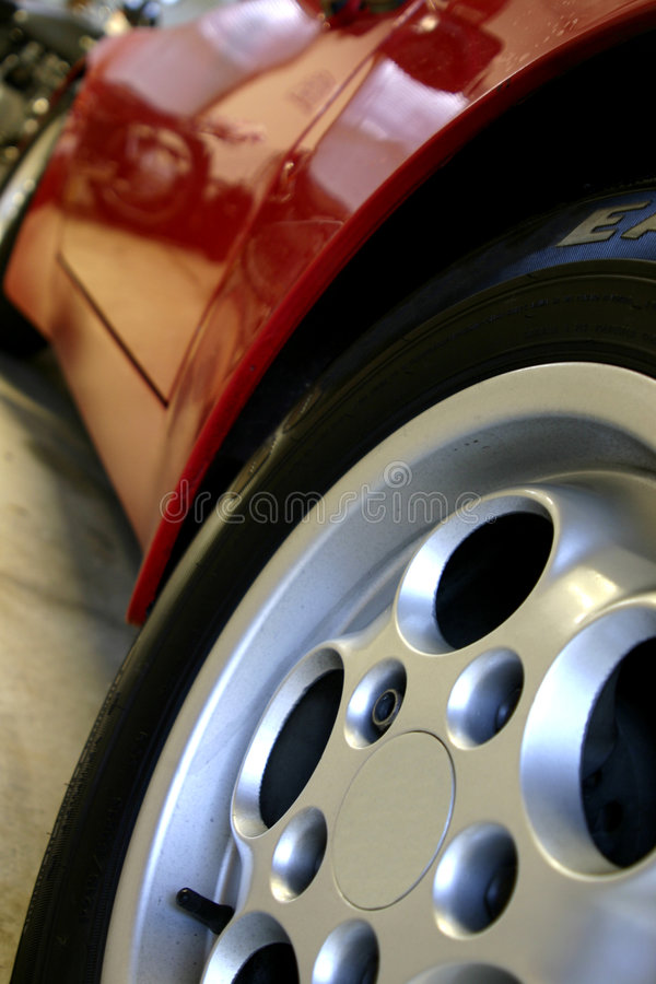 Free Car Wheel Stock Images - 1009284