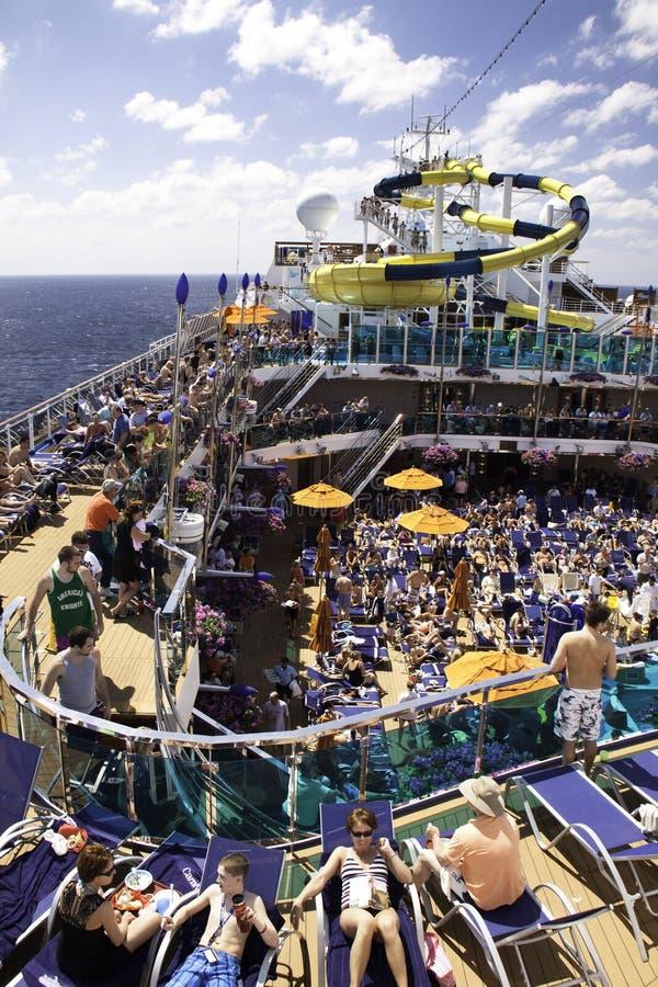 Caraïbische Droom - de Pret, de Zon en het Water van het Schip van de Cruise stock foto's