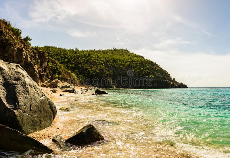 Caraïbische reisfoto van St Barth Eiland, Beroemde Shell Beach, in St Barth St de Caraïben van de Baronet royalty-vrije stock foto
