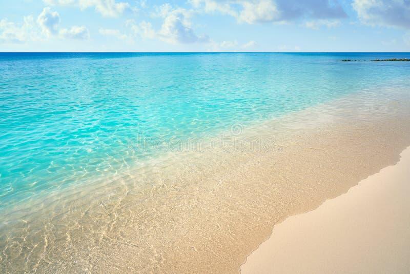 Caraïbische turkooise strand schone wateren stock afbeeldingen